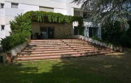 Gehobene Wohnung mit 500 qm privatem Garten direkt am Kölner Stadtwald