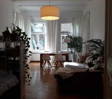 Stilvolle, geräumige 2-Zimmer-Wohnung mit Balkon in Schöneberg, Berlin