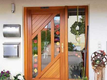 Große 2-Zimmer-Wohnung mit neuer EBK in Jettingen
