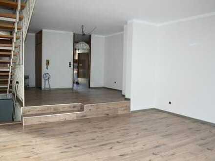Kaiserslautern-Hohenecken - Reihenmittelhaus mit Garten und Garage
