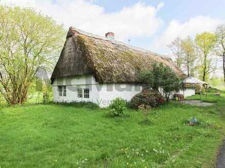 Sanierungsbedürftiges Landhaus mit traumhaftem Grundstück in Nordseenähe