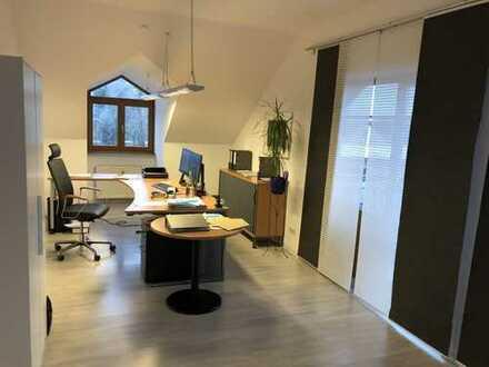 TOP - Bürofläche im Büro- und Geschäftshaus zu vermieten