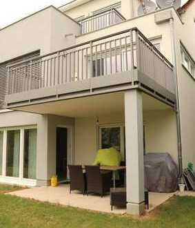 Neuwertige 3 Zimmer Gartengeschoss Wohnung mit Terrasse und Garten sowie Stellplatz in 71149 Bondorf