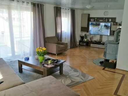 5,5 Zimmer Wohnung, großzügig geschnittene innerstädtische Lage, 191qm von Privat ab sofort