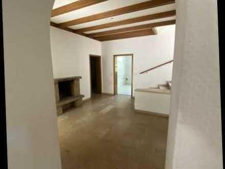 Haus im Haus am Stadtpark! 5-Zimmer-EG-1.OG-Wohnung m. Gartennutzung u. Balkon im Grünen!