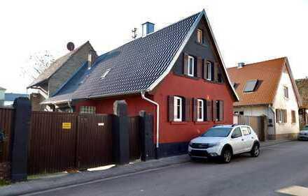 Handwerkerhaus mit Bauplatz für Neubau auf einem großen tollen Grundstück