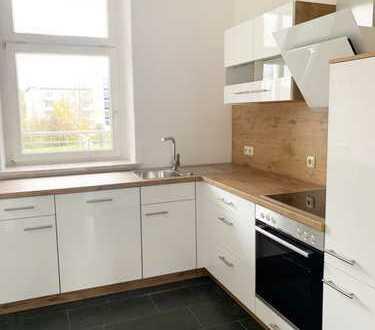 Wunderschöne 3-Raum-Wohnung mit Einbauküche und Balkon!