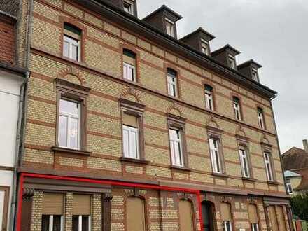 Hervorragend geschnittene 4-Zimmer Altbau-Wohnung mit Garage in angenehmer Vorort-Wohnlage