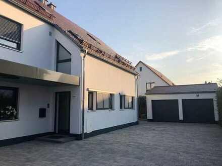 Exklusive Doppelhaushälfte (DHH) mit fünf Zimmern in Mintraching (Landkreis Regensburg)