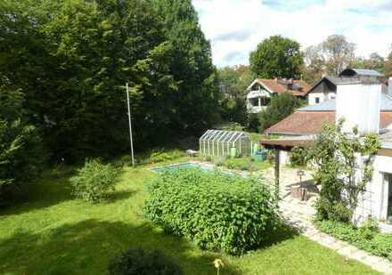 Einmalige Gelegenheit in Obermenzing: Villenhälfte m.750m2 Garten inmitten der Exter-Villenkolonie I