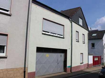 Ideal für Handwerker - Solides Einfamilienhaus mit Werkstatt in Miesenheim