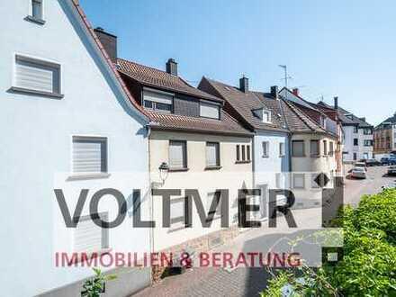 MITTELPUNKT - Zwei- bis Dreifamilienhaus in zentraler Lage für Kapitalanleger u. Eigennutzer!
