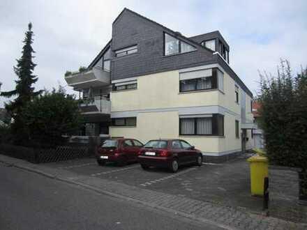 Im 6 Fam.Haus schöne 3 ZKB ,Einbauküche, Balkon, Nackenheim