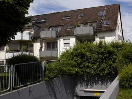 Provisionsfrei: Schöne 2 Zi.DG-Wohnung, Sonnen-Terrasse, Tiefgarage, ruhige Lage in kleiner WE