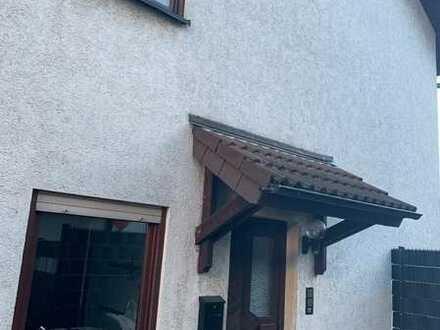 Saniertes Haus mit fünf Zimmern und Einbauküche in Leimen, Leimen