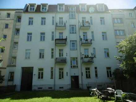 Dachgeschosswohnung im Jugendstilhaus in Striesen