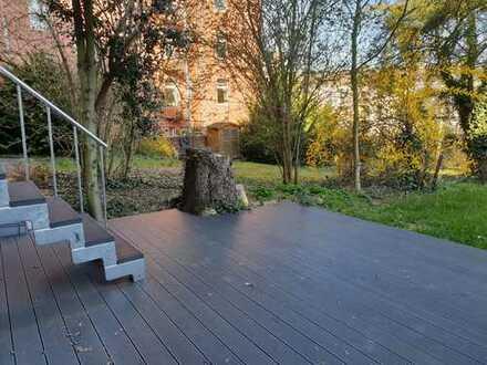 *Schöne sanierte Tiefparterre-Wohnung mit der Terrasse zum Garten*