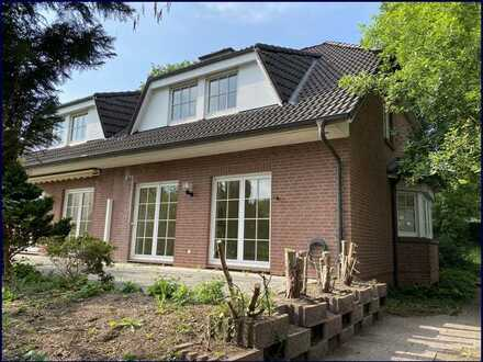 Grünes und ländliches Bergstedt Frei gelieferte 4 Zimmer Doppelhaushälfte mit Vollkeller