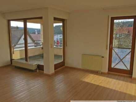 Bezaubernde 2-Zimmer-Wohnung mit Einbauküche, Balkon und Garage