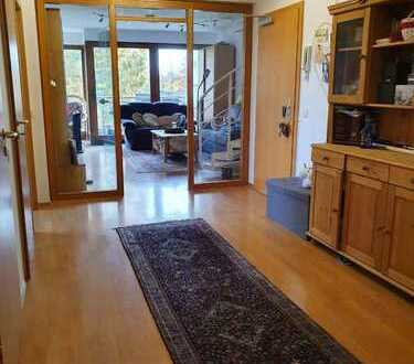 Helle und schön geschnittene 5-Zimmer Maisonette Wohnung über den Dächern Mettmanns