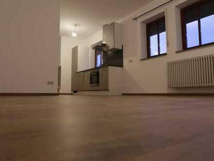 Sehr schöne, geräumige 1- Zimmer Wohnung in Goldbach/AB