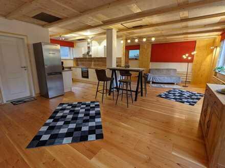 Erstbezug nach Sanierung: stilvolle 1-Zimmer-Wohnung für 2-Personen-Haushalt - 80qm mit EBK