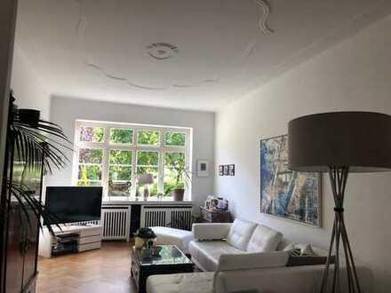 Stilvolle und gepflegte 4-Zimmer-Maisonette-Wohnung mit Garten und EBK in Bremen