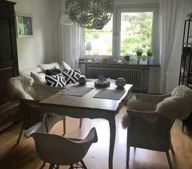 Ruhige, lichtdurchflutete 5-Zimmer-Wohnung mit Balkon und Einbauküche in Bonn