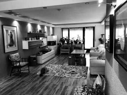Exklusive, modernisierte 4-Zimmer-Wohnung mit Balkon und Einbauküche in Schwieberdingen