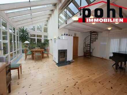Einfamilienhaus mit Top Ausstattung, Wintergarten, Galerie, Kachelofen, Parkett, Sauna usw. usw..!!!