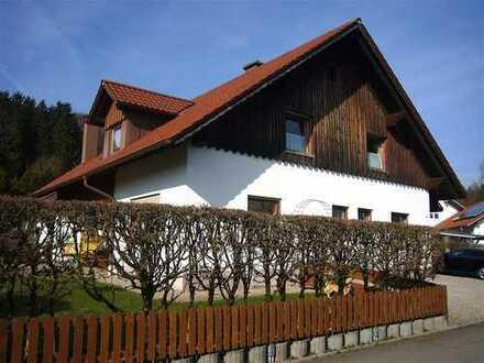 Ihr neues Zuhause? - Solides, gut geschnittenes Einfamilienhaus in sonnigem Gartengrundstück!