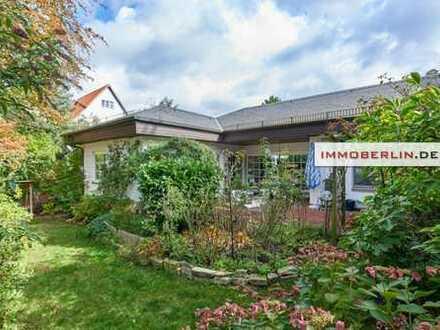 IMMOBERLIN: Westend-Toplage - 284m² Gesamtfläche-Eleganter Bungalow mit Südwestgarten