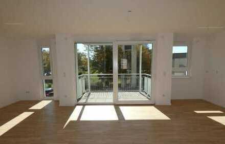 *Niedrigenergiehaus - EXKLUSIVE, ruhige 3-Zimmer Whg. mit Balkon !ERSTBEZUG!*
