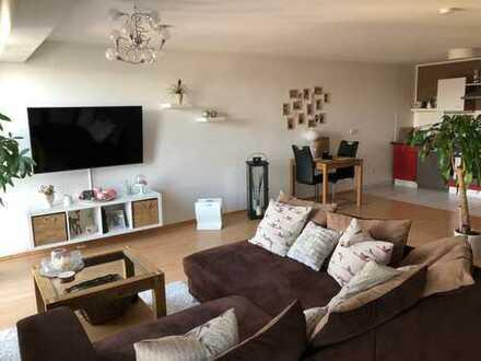 Freundliche 3-Zimmer-Maisonette-Wohnung mit EBK in Weiden, Köln