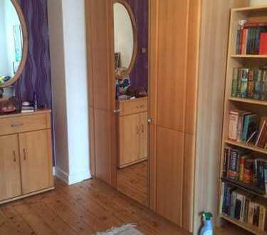 Schöne möblierte 2 Zimmer Wohnung für ein Jahr zur Untermiete anzubieten