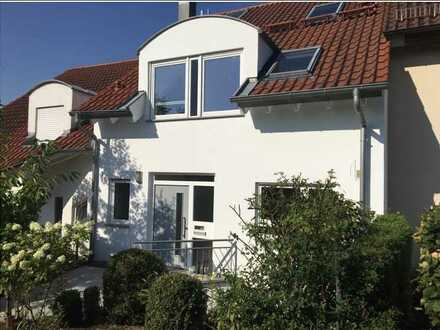 Exklusives RM-Haus BJ 2001 mit Balkon, Terrasse, Garten und großer Garage in bester Wohnlage