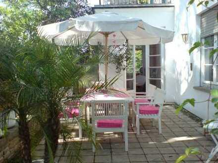 2 Zimmer in Wohngemeinschaft in Villa - Auch Ideal für Pendler!