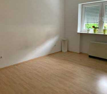 2-Zimmer-Erdgeschosswohnung mit EBK in Untergrombach ab 1.7.19