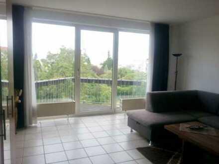 Stilvolle, gepflegte 1-Zimmer-Wohnung mit Balkon und EBK in Ludwigshafen am Rhein