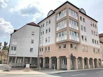 Bayreuth City: 4-Zi-ETW mit Rundumblick und Dachloggia – frei ab 1.12.!