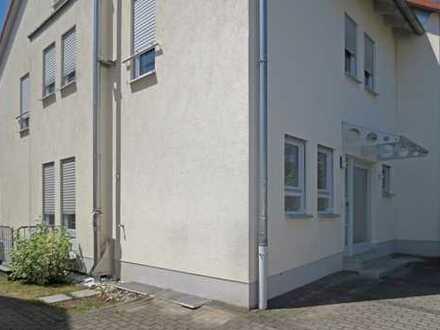 Schöne Doppelhaushälfte mit fünf Zimmern in Main-Kinzig-Kreis, Nidderau