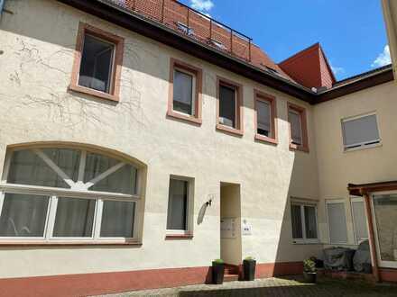 Junges Wohnen mitten in Speyer - großzügige 2 ZKB Wohnung in Zentrumslage