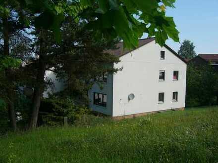 4 Zimmer Wohnung mit Balkon und Gartenanteil, zur Miete