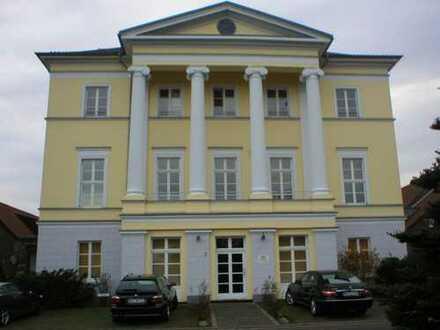 2 Zimmer Wohnung in historischem Gebäude ohne Balkon