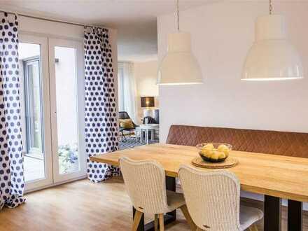 Wohnen im Grünen: moderne Doppelhaushälfte mit Einbauküche, Gartenterrasse und Gäste-WC