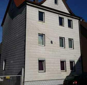 Freistehendes 3 Familienhaus mit Scheune zum ausbauen