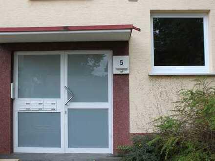 Große 5-Zi. Wohnung mit 2 Balkonen mit guter Verkehrsanbindung