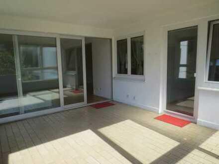 ***RESERVIERT- Schöne, sanierte attraktive 2-Zimmer-Wohnung mit gr. Loggia, und Stellplatz***