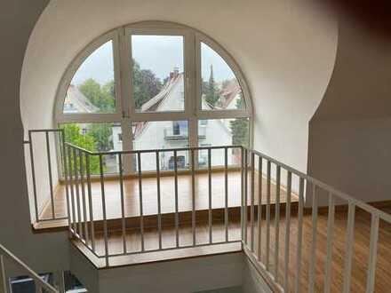 Gemütliche Dach-Atelier-Wohnung, Nähe Alte Veste