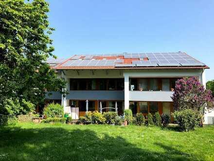 Moderne Wohnung mit tollem Garten in guter Lage